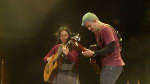 Rodrigo y Gabriela perform