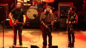 Jason Isbell & the 400 Unit with David Crosby perform